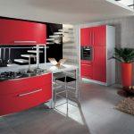 Modele bucatarii de culoare rosie